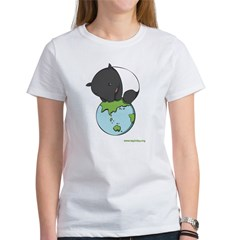 : 'Tapir on World' Women's T-Shirt
