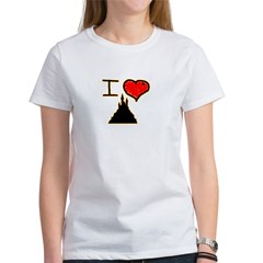 i love halloween castle on dark creepy night Women's T-Shirt